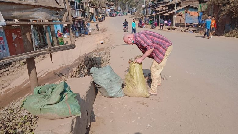 Peace walker from Germany cleanliness drive