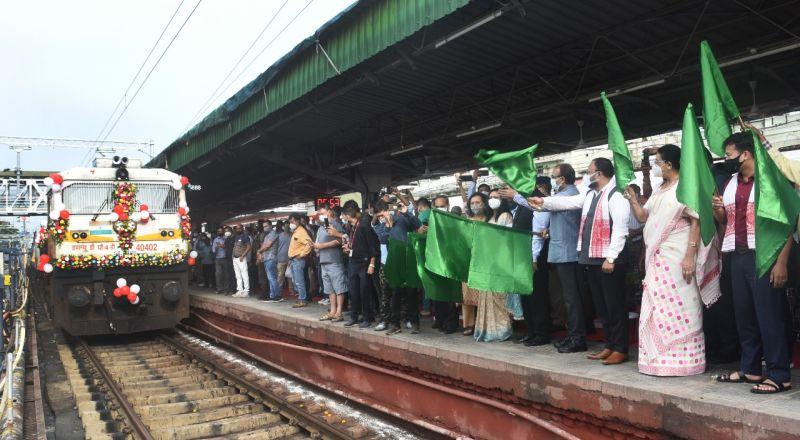Vistadome Tourist special train