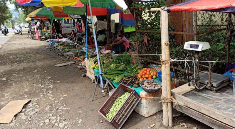 roadside vegetable sellers